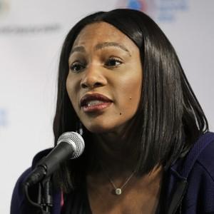 Serena Williams em coletiva de imprensa (Foto: AP)