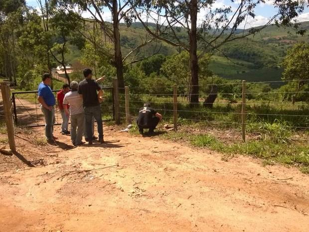 Fazenda em Santo Antonio do Monte  (Foto: Reginaldo Jesus/Tv Integração)