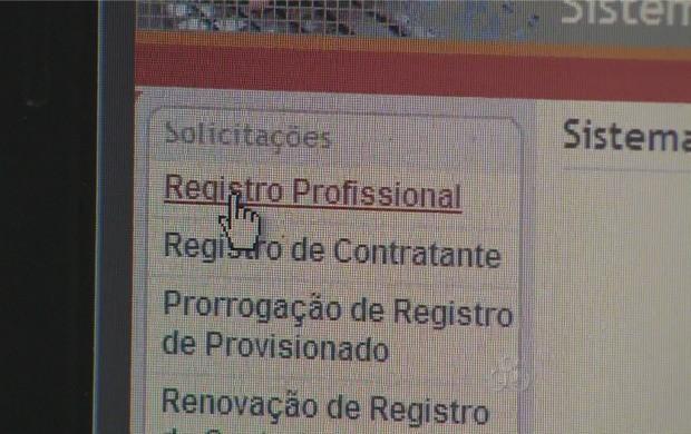 A solicitação dos registros profissionais pode ser feita pela internet (Foto: Bom Dia Amazônia)