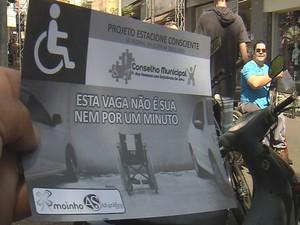 Protesto faz parte de campanha para conscientizar os motoristas  (Foto: Reprodução / TV TEM)