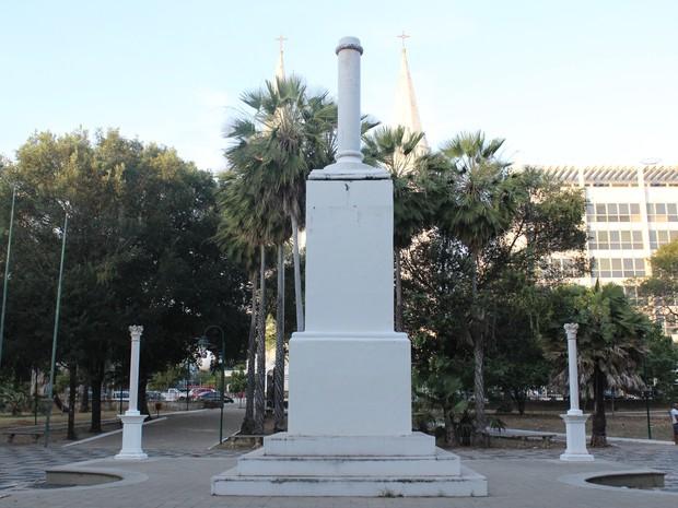 Monumento Marco Zero em Praça Marechal Deodoro (Foto: Catarina Costa/G1)
