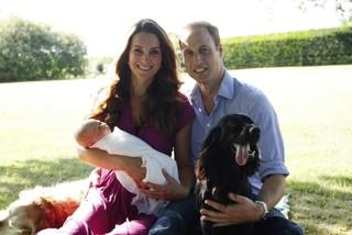 Kate Middleton e Príncipe William com o filho George (Foto: Michael Middleton / AFP)