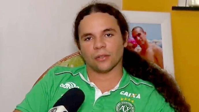 RN - irmão Gil Chapecoense - Eskley Clemente (Foto: Reprodução/Inter TV Cabugi)