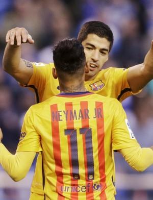 Neymar e Suárez comemoram gol (Foto: REUTERS/Miguel Vidal)