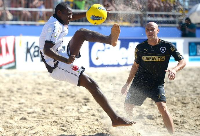 Bueno e Sidney Vasco e Botafogo Mundialito de Areia (Foto: Alexandre Loureiro / Inova Foto)