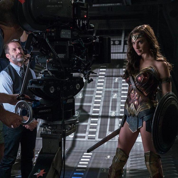 Gal Gadot como Mulher-Maravilha em filmagem de Liga da Justiça (Foto: Reprodução/Instagram)