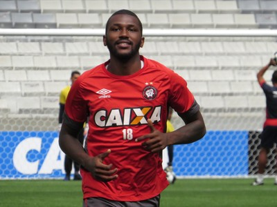 Atlético-PR Douglas Coutinho (Foto: Fernando Freire)