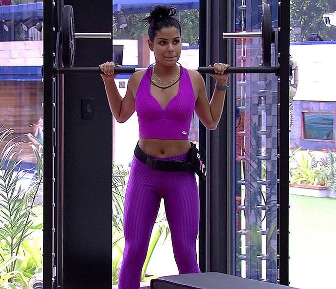 Munik faz musculação, outra boa dica para ficar no shape perfeito (Foto: TV Globo)