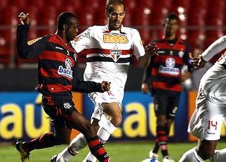 Vinícius Pacheco no jogo do Flamengo contra São Paulo (Foto: Bruno Miani / VIPCOMM)