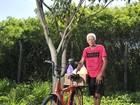 Aposentado usa tempo livre para cultivar árvores nas ruas de Vitória