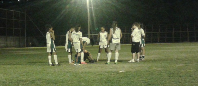 Jogadoras do Ipatinga trabalham durante o dia e treinam a noite  (Foto: Wilkson Tarres/Globoesporte.com)