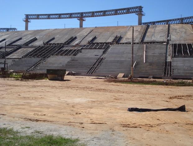 Obras no Estádio Estadual Kleber Andrade (junho de 2012) (Foto: Divulgação/Iopes)