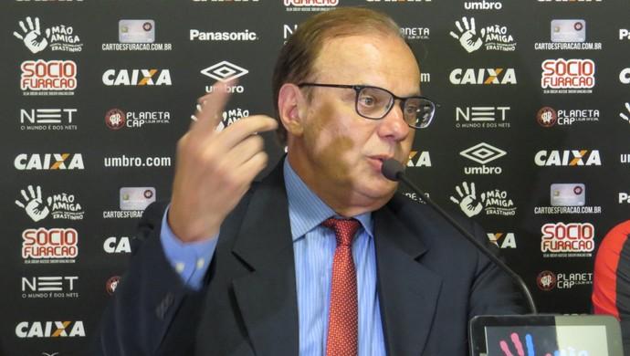 Luiz Sallim Emed Atlético-PR (Foto: Fernando Freire)