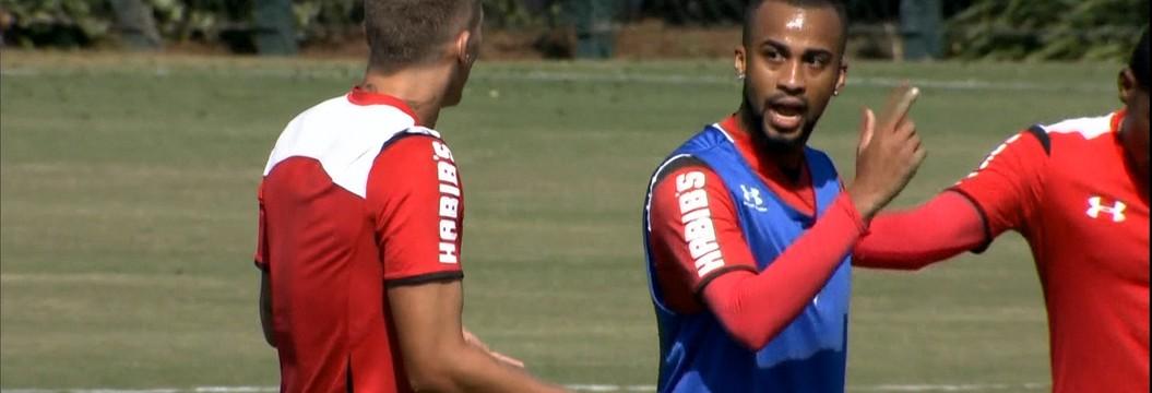 Wesley e Lyanco se desentendem em treino do São Paulo na manhã deste sábado