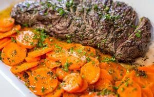 Como fazer fraldinha grelhada com cenouras vichy