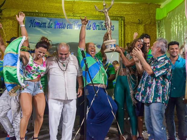 Escola vibra e cai na festa com a conquista! (Foto: Artur Meninea/ Gshow)