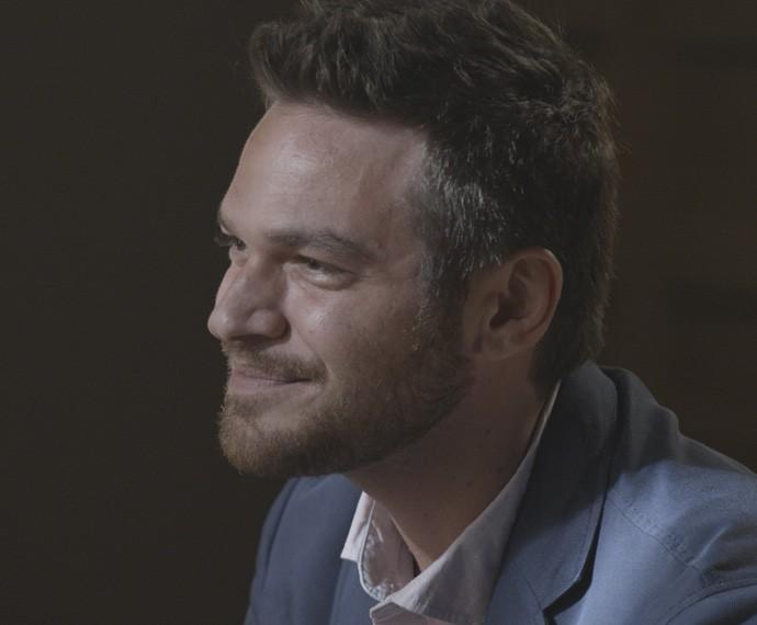 Pedro faz surpresa para a amada (Foto: TV Globo)