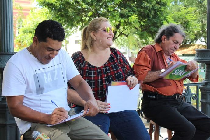 Cileno, Lucilene Castro e Nunes Filho foram os jurados do evento (Foto: Katiúscia Monteiro/ Rede Amazônica)