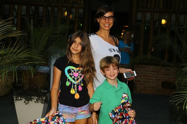 Maria Paula com os filhos (Foto: Marcello Sá Barretto / AgNews)