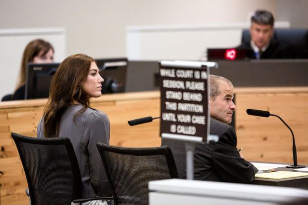 Hope Solo durante audiência em tribunal de  Kirkland, no estado de Washington, na segunda-feira (Foto: Jordan Stead/Seattlepi.com/AP)