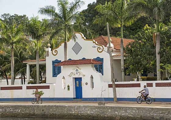 Propriedade de João Silva, 37º presidente do Vasco da Gama, falecido em 2001; hoje o imóvel está fechado e penhorado pela Justiça  (Foto: © Haroldo Castro/Época)