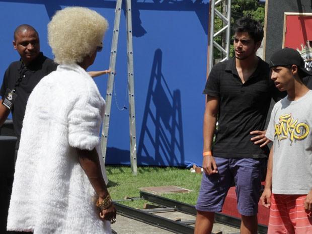 O negócio tá feio pra vc, Realeza! Se liga na pressão de Bruno (Foto: Malhação / TV Globo)