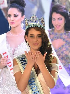 Rolene Strauss é a vencedora do Miss Mundo 2014 (Foto: AFP Photo/Leon Neal)