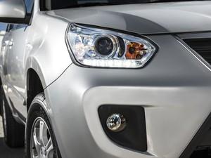 Novos faróis alongados do Chery Tiggo trazem luzes diurnas de LED. (Foto: Divulgação)