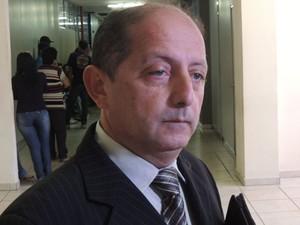Marcus Alânio representa o acusado Thiago no caso da morte da adolescente Maria Luiza (Foto: Felipe Gibson/G1)