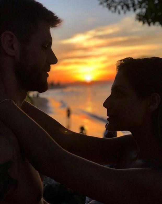 Jonas Sulzbach e Mari Gonzalez (Foto: Reprodução/Instagram)