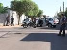 Duas pessoas são baleadas dentro  de carro em bairro de Birigui