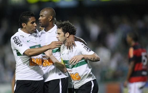 Lincoln gol Coritiba (Foto: Giulianos Gomes / Ag. Estado)