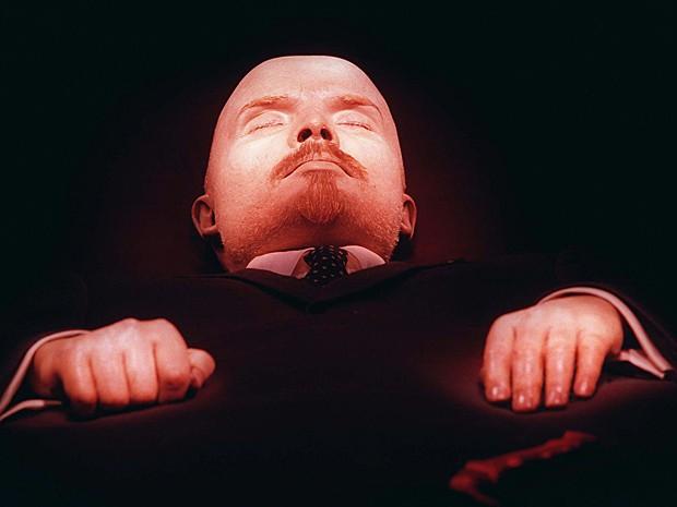 Corpo embalsamado do fundador da antiga União Soviética, Vladimir Lênin (Foto: Sergei Karpukhin/AP)