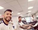 Pai de Agüero: atacante pode seguir Messi na decisão de deixar a seleção