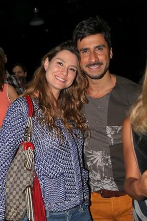 Lavínia Vlasak e Júlio Rocha em estreia de peça no Rio (Foto: Cláudio Andrade/ Foto Rio News)