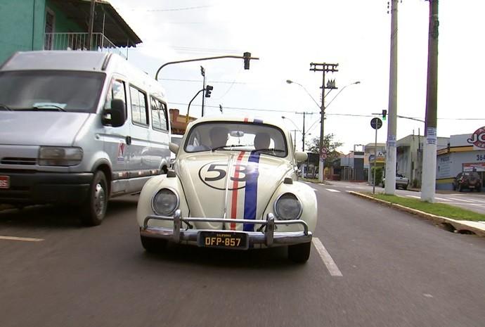 É o carro mais famoso da história do cinema! (Foto: Reprodução / TV TEM)