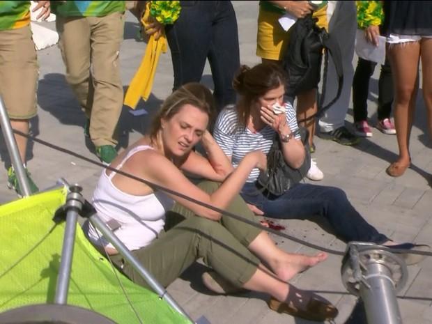 Duas pessoas ficaram feridas após queda da câmera (Foto: Reprodução/TV Globo)