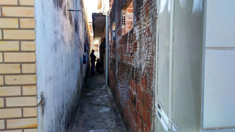 Prédio onde fica kitnet é no bairro de Nova Parnamirim  (Foto: Marksuel Figueiredo/Inter TV Cabugi )
