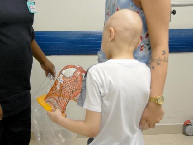 David ganhou máscara para enfrentar radioterapia (Foto: Arquivo Pessoal)