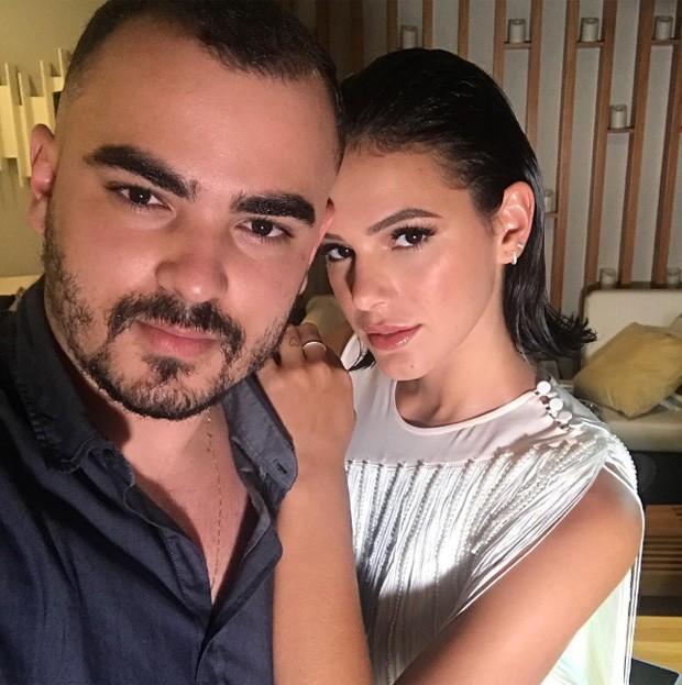 Bruna Marquezine e o beauty artist Lucas Vieira (Foto: Reprodução/Instagram)