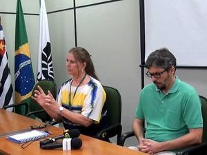 Médicos explicam casos de contaminação por bactéria resistente no HC da Unicamp, em Campinas (Foto: Fernando Pacífico / G1 Campinas)
