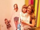 Ticiane Pinheiro posta foto com Rafinha Justus na loja da ex-enteada