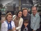 Michel Teló e Thais Fersoza são recebidos por pais de sertanejo