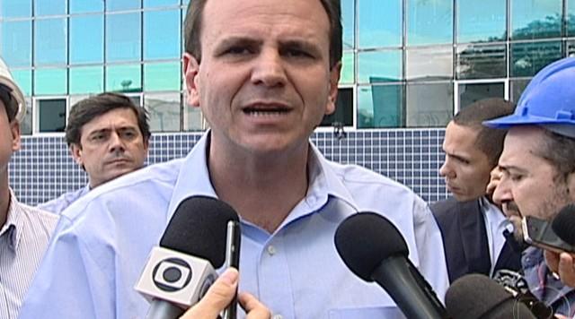 Eduardo Paes vistoria as obras do novo hospital da Ilha do Governador