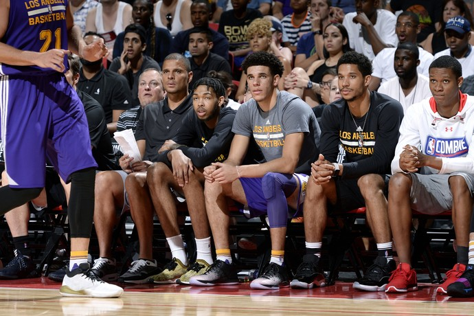 Lonzo Ball na semifinal da Liga de Verão entre Lakers e Mavs (Foto: Getty Images)