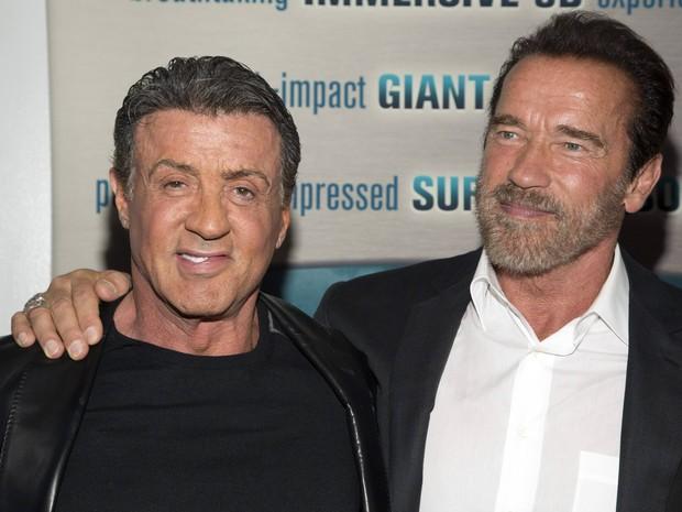Sylvester Stallone e Arnold Schwarzenegger em pré-estreia de filme em Nova York, nos Estados Unidos (Foto: Andrew Kelly/ Reuters)