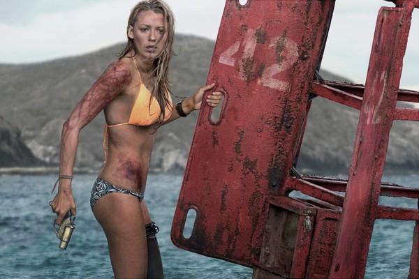 A atriz Blake Lively no drama Águas Rasas  (Foto: Reprodução)