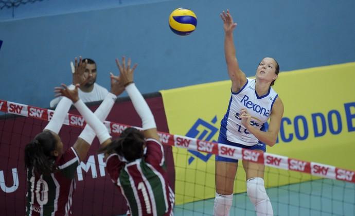 Monique Rio de Janeiro Superliga (Foto: Ricardo Botelho/Inovafoto/CBV)