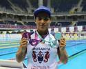 Surpresa com medalhas, Ana Marcela comemora participação no Maria Lenk