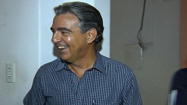 paulo diniz, presidente do conselho deliberativo do vila nova (Foto: Reprodução/TV Anhanguera)